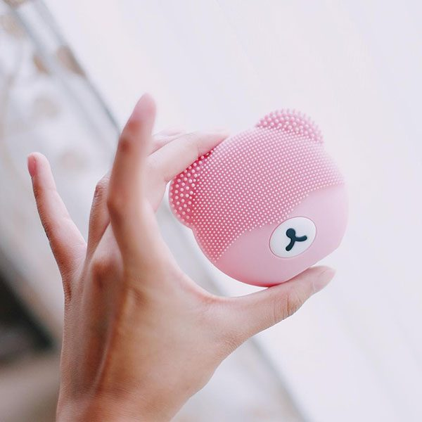 Kawaii Bear Shape Face Cleansing Brush pink Made by China Manufacturer