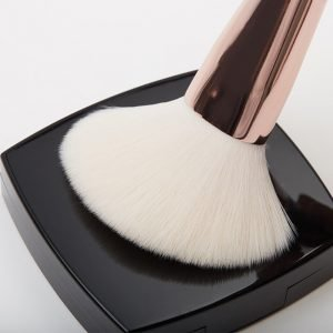 Snowy soft makeup bristles