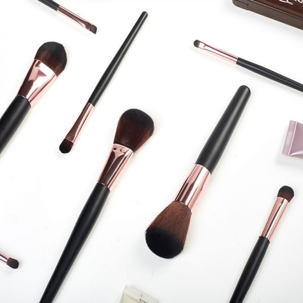 Professional makeup brush supplier